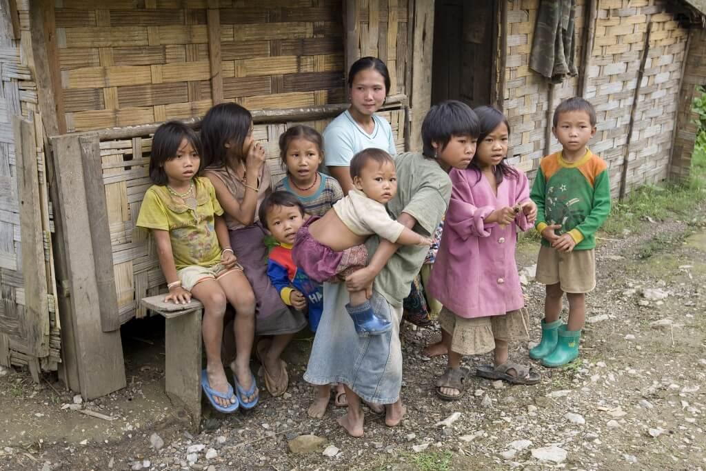 Manche haben wenig. Wir haben nichts - Wenn Kinder in Armut ...