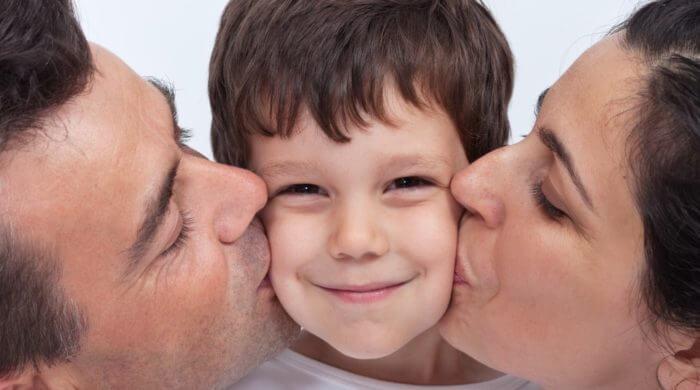 """Was Kinder über """"Küssen"""" wissen sollten - Elternkompass - dein ..."""