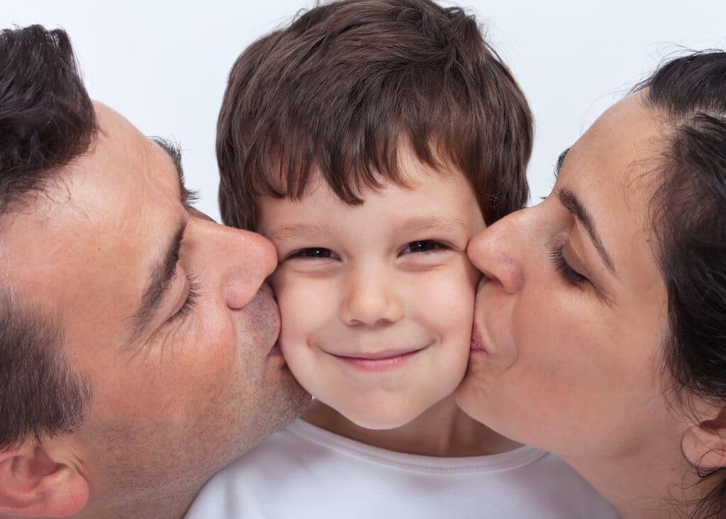 """Was Kinder über """"Küssen"""" wissen sollten"""