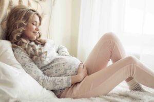 Hitzewallungen in der Schwangerschaft: Was tun?