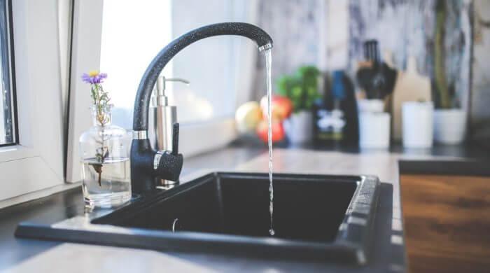 Leitungswasser nicht schlechter als Mineralwasser