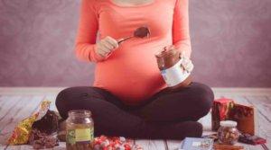Heißhunger in der Schwangerschaft: Was tun?