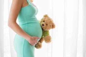 Entspannt auf beiden Beinen stehen – Venenprobleme in der Schwangerschaft