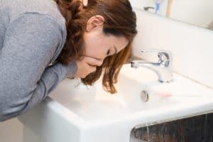 Hausmittel und Tipps bei Schwangerschaftserbrechen