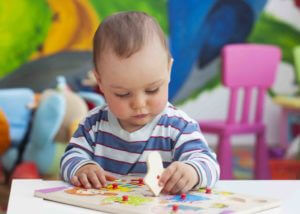 Spielzeug für Babys und Neugeborene