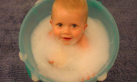Alles, was Sie über das Baden Ihres Babys wissen sollten