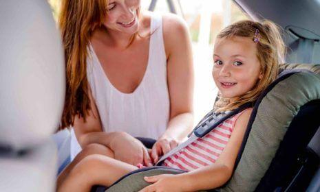 Sicherheit im Auto für Kinder: darauf sollten Sie achten
