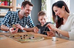 mit der Familie spielen