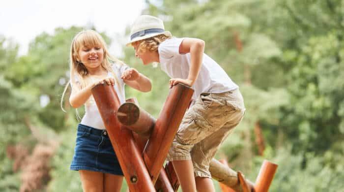 Der Spaß steht bei der handwerklichen Arbeit mit Kindern natürlich im Vordergrund.
