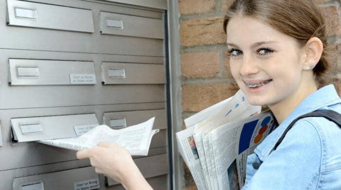 Zeitung austragen, Nachhilfe geben, Babys sitten: Durch kleine Jobs bessern sich viele Jugendliche ihr Taschengeld auf.
