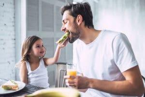 Oft sind es die kleinen Glücksmomente, die das Elternsein so schön machen und für viele Entbehrungen entschädigen.