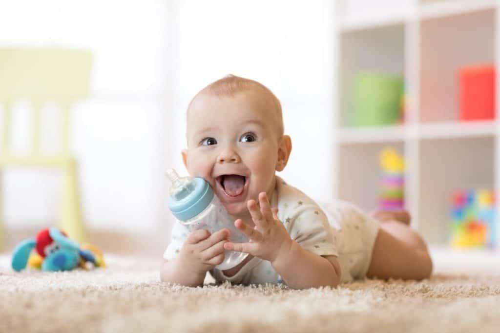 Baby röchelt