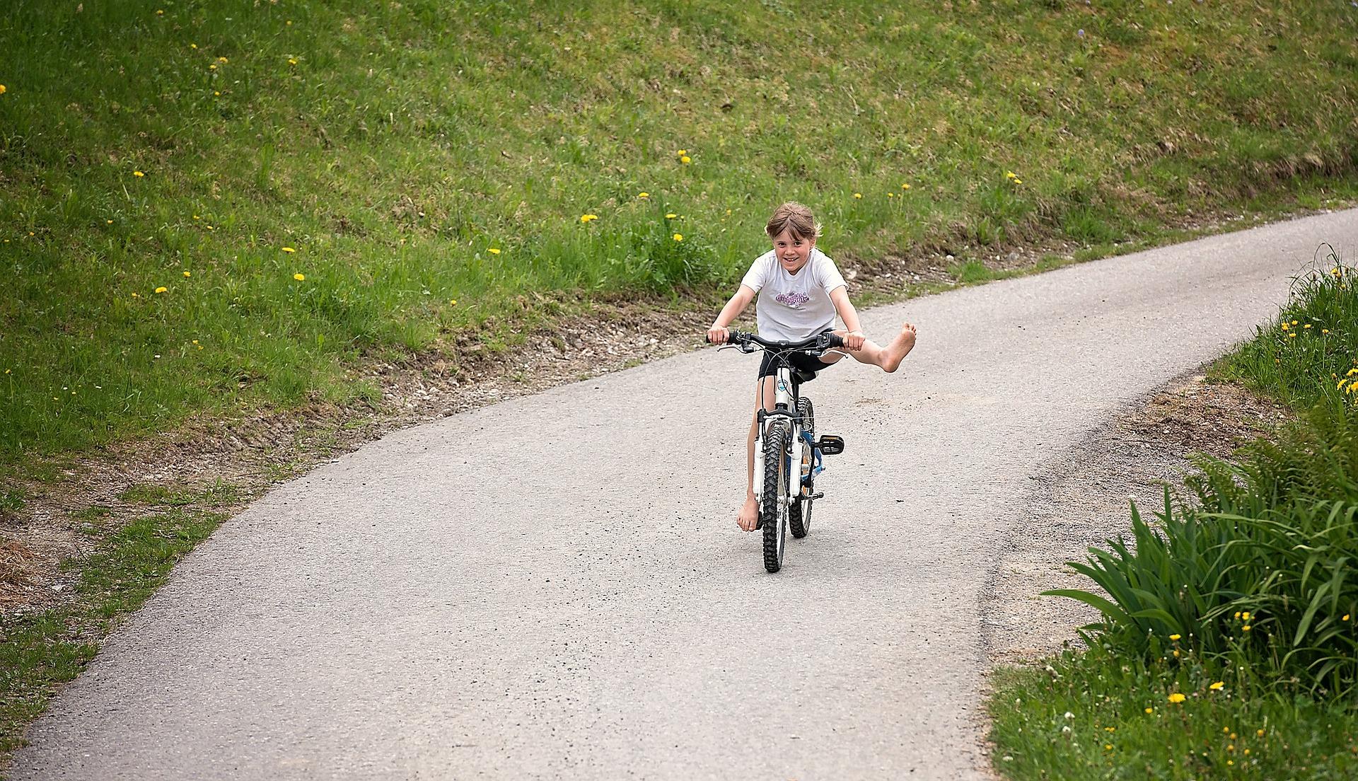 Wie können Kinder am besten Fahrradfahren lernen?